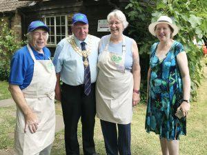 Mayor with Society Trustees